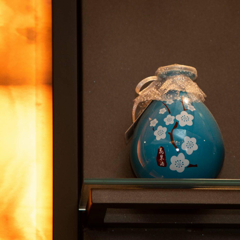vaso cinese blu su mensola